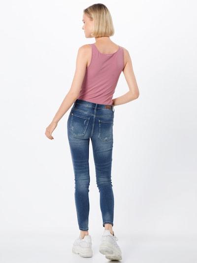 Jeans 'CAROLA' JACQUELINE de YONG pe denim albastru: Privire spate