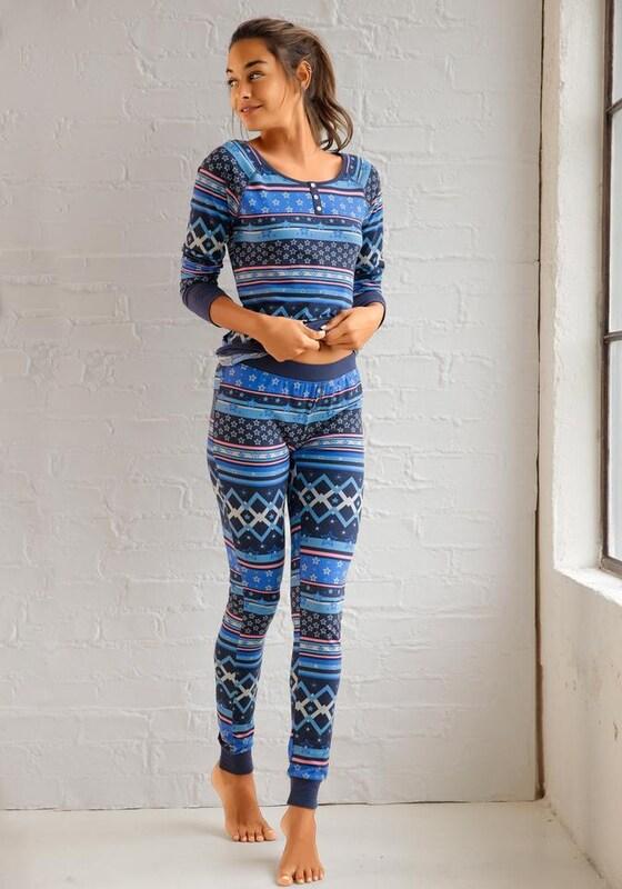BENCH Pyjama im Norwegermuster mit Sternen