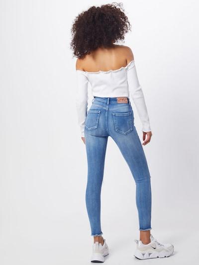 ONLY Jeans 'ONLFBLUSH MID SK ANK RAW VEC' in de kleur Blauw denim: Achteraanzicht