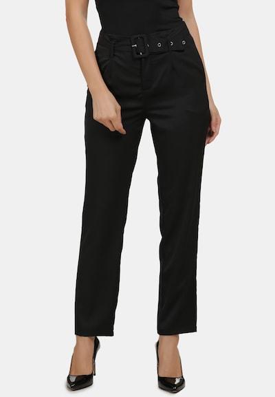 Usha Chino in de kleur Zwart, Modelweergave