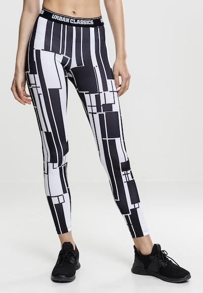 Urban Classics Leggings in schwarz / weiß, Modelansicht