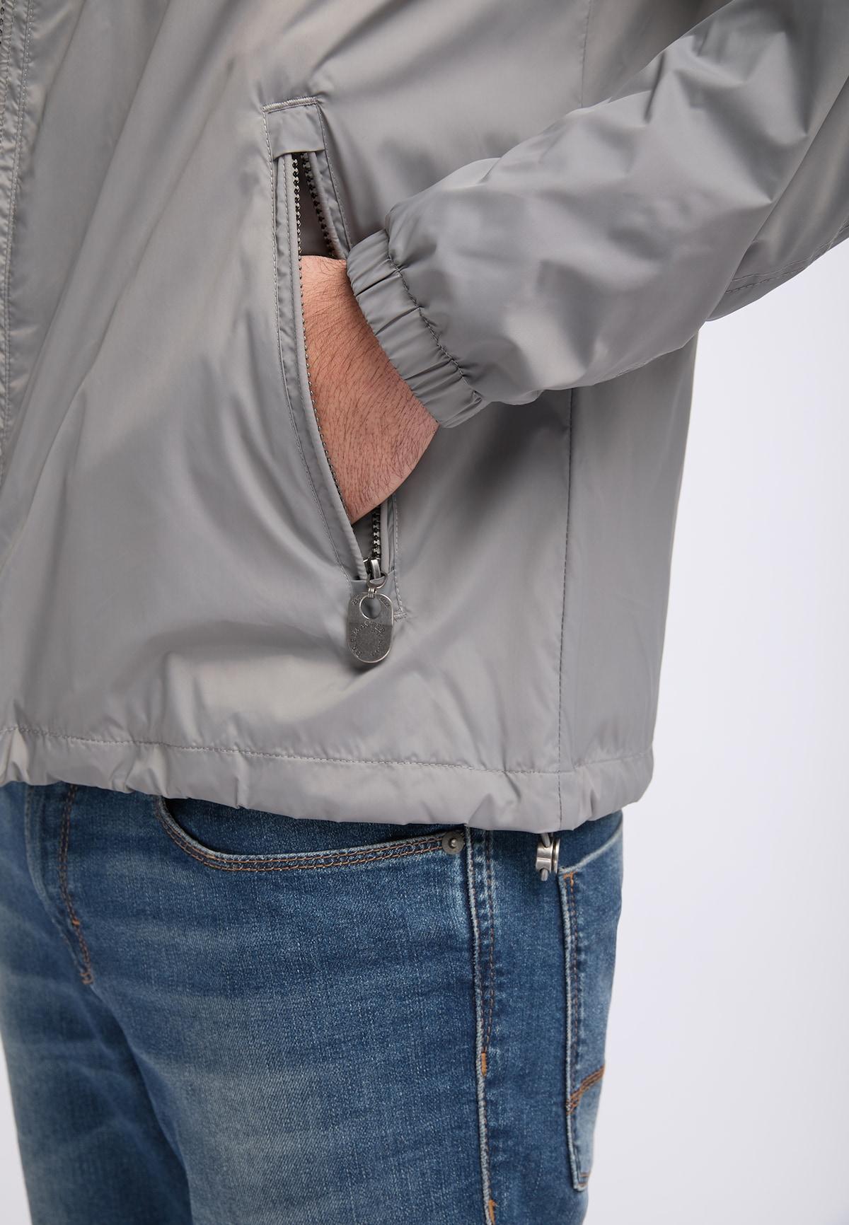 Bestbewertet Männer Bekleidung DREIMASTER Anorak in grau Verkaufsschlager