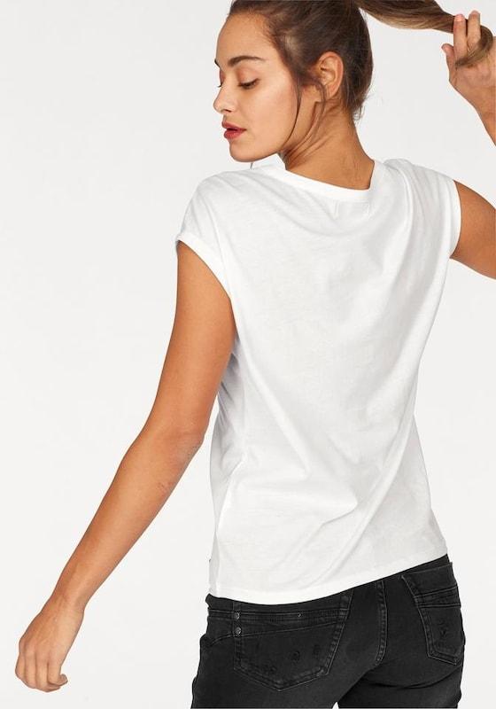 AJC V-Shirt