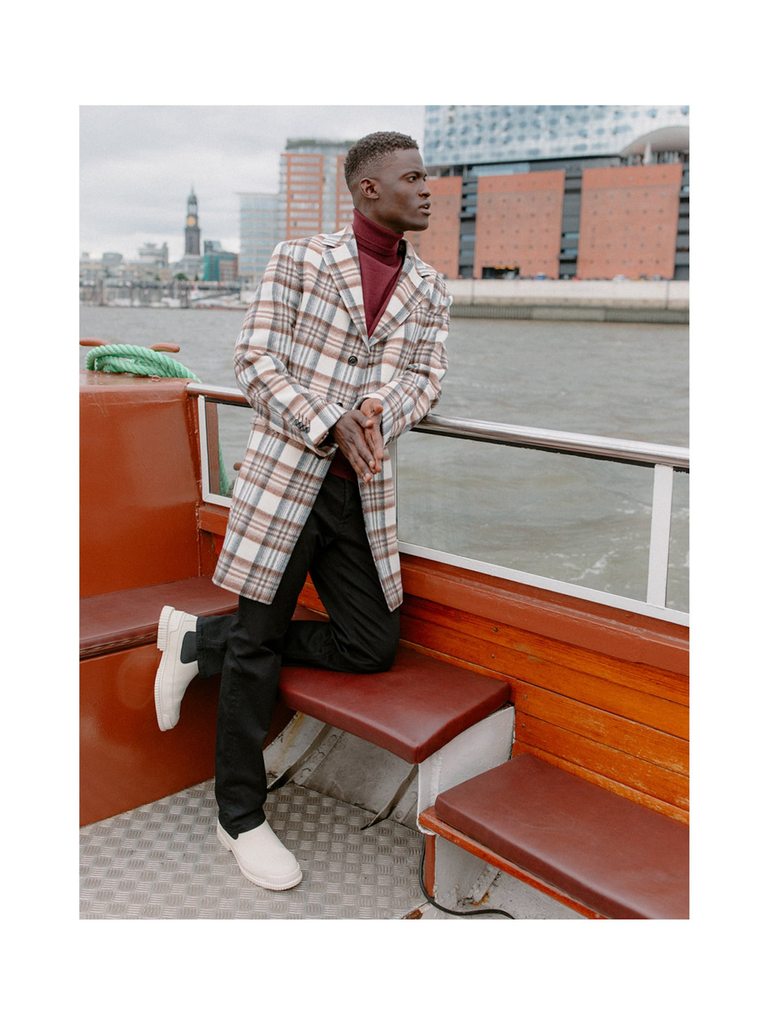 Jason - Elegant Checked Coat Look