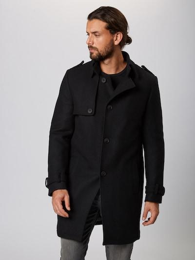DRYKORN Tussenjas 'SKOPJE' in de kleur Zwart, Modelweergave