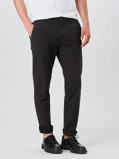 SELECTED HOMME Pantalon chino en noir, Vue avec modèle