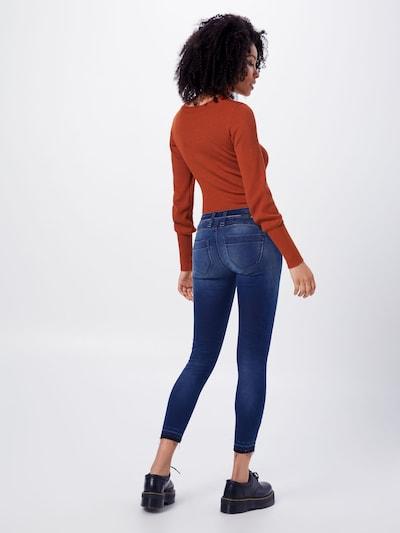 Gang Džinsi pieejami zils džinss: Aizmugures skats