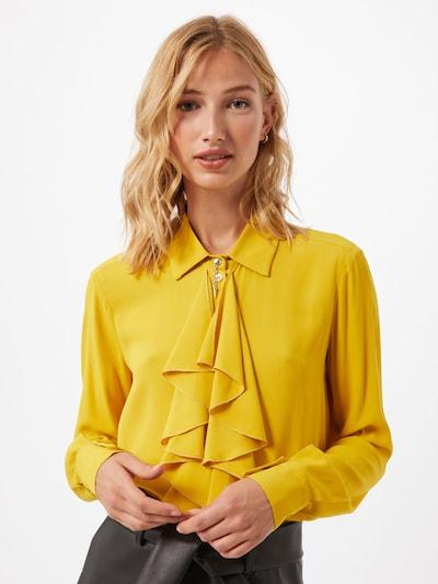 PATRIZIA PEPE Chemisier 'Camicia' en jaune, Vue avec modèle
