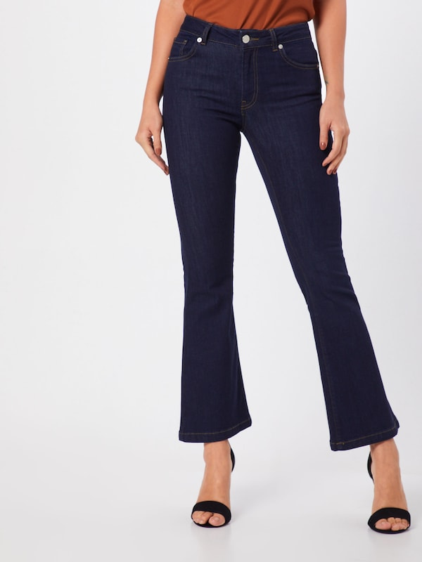 WHY7 Jeans 'NW FLARE' in blue denim, Modelansicht