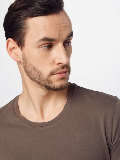 DRYKORN Majica 'CARLO' u boja blata: Prednji pogled