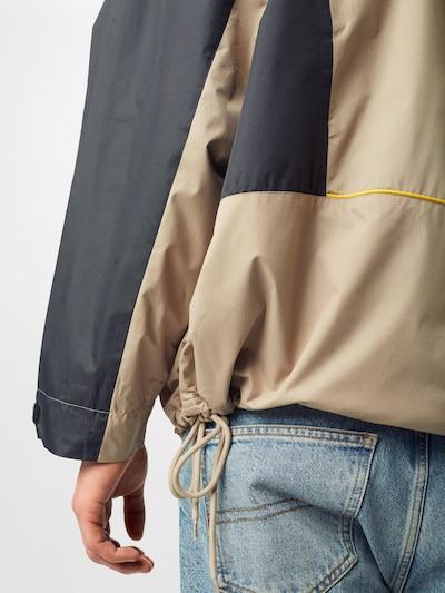 Reebok Classic Jacke 'TRAIL' in beige: Frontalansicht
