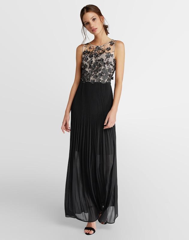 Elegante Materialien 2020: Transparente Materialien - Abendkleid mit transparentem Schulterbereich