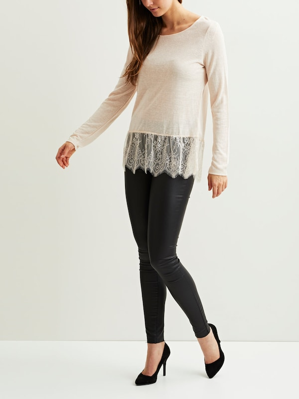 Vila Pointed Bodice With Long Sleeves