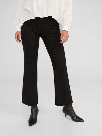 fekete EDITED Ráncos nadrág 'Candia', Modell nézet