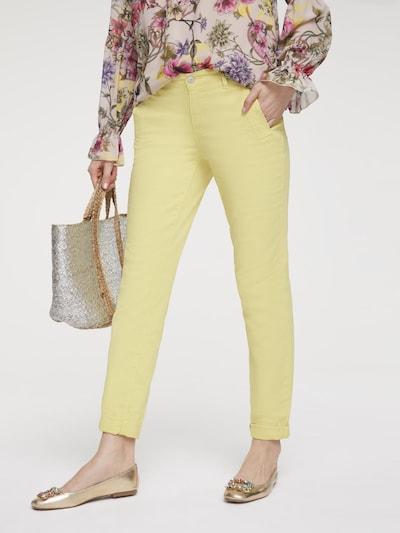 heine Hose in pastellgelb, Modelansicht