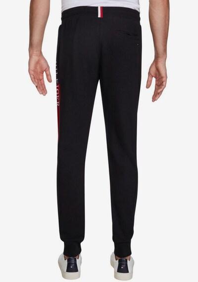 TOMMY HILFIGER Sweathose in rot / schwarz / weiß, Modelansicht