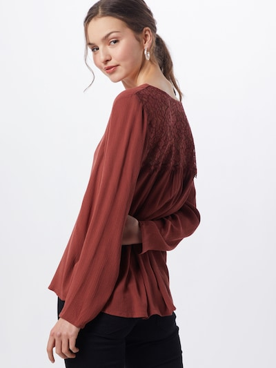 ABOUT YOU Blouse 'Allie' in de kleur Bruin / Roestrood, Modelweergave