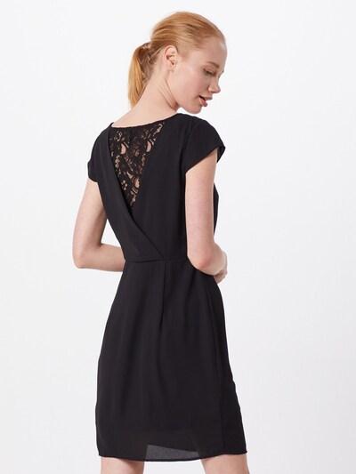 Suknelė 'MILA' iš VERO MODA , spalva - juoda: Vaizdas iš galinės pusės
