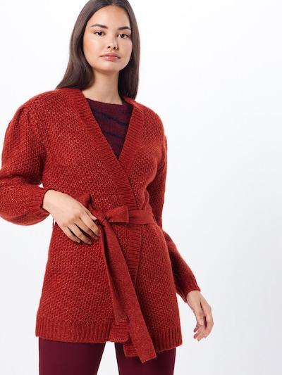VILA Strickjacke 'CURVAst' in rot, Modelansicht