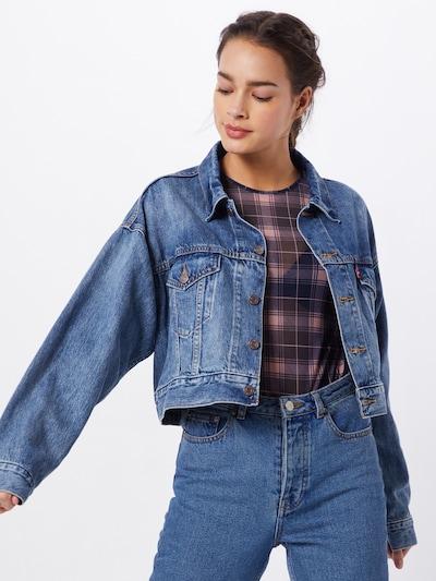 LEVI'S Prijelazna jakna u plava, Prikaz modela