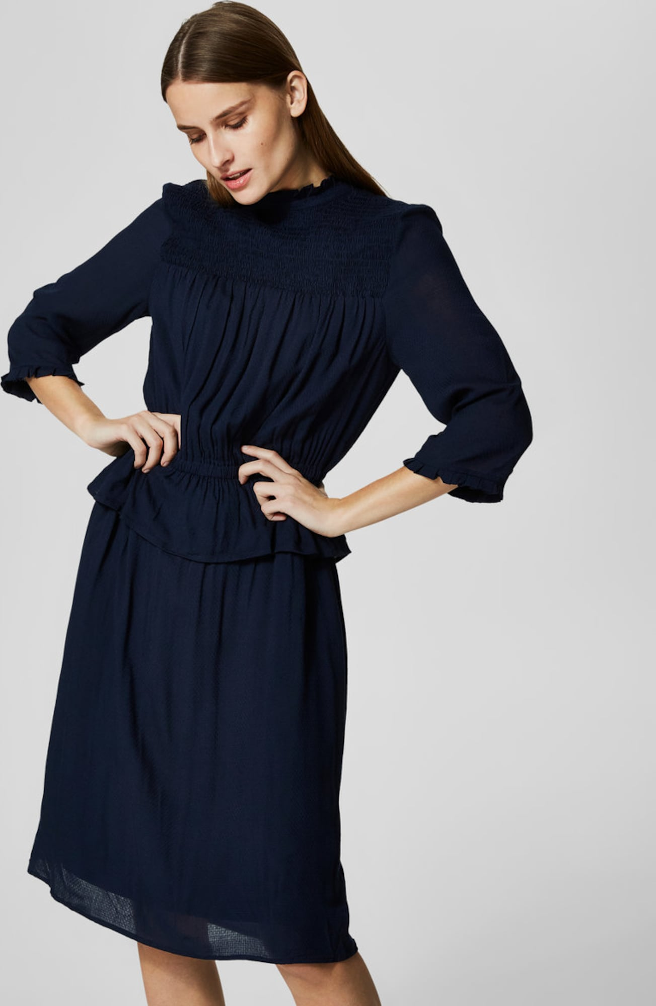selected femme kleid mit kurzen rmeln peplum in blau. Black Bedroom Furniture Sets. Home Design Ideas