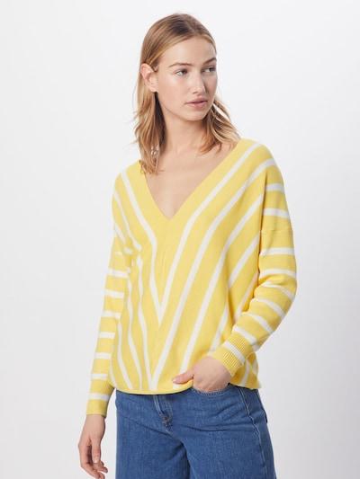 ONLY Pull-over 'onlAYA' en jaune, Vue avec modèle
