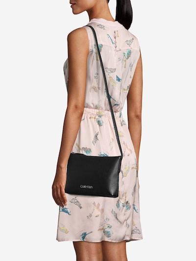Calvin Klein Taška přes rameno 'Neat' - černá: Pohled zepředu