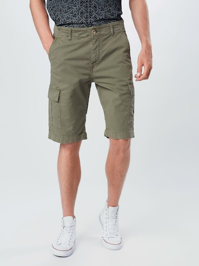 GUESS Pantalon 'BEN' en olive, Vue avec modèle