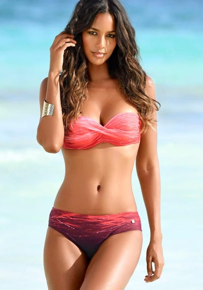 LASCANA Bügel-Bandeau-Bikini in dunkelpink, Modelansicht