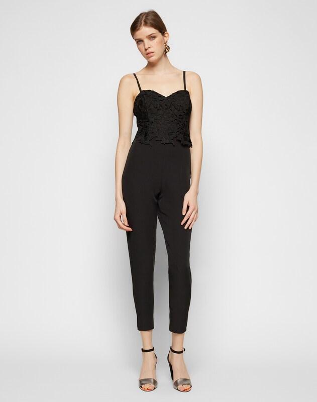 lipsy jumpsuit mit spitzen design in schwarz about you. Black Bedroom Furniture Sets. Home Design Ideas
