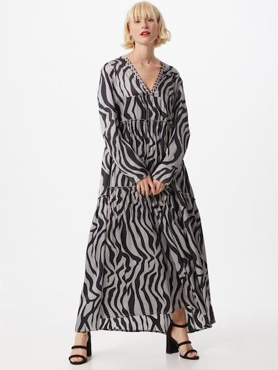 DELICATELOVE Kleid 'Vicki' in schwarz / weiß, Modelansicht