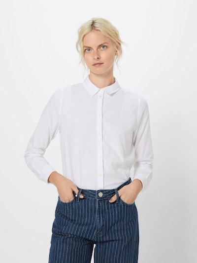 Bluză PIECES pe alb, Vizualizare model
