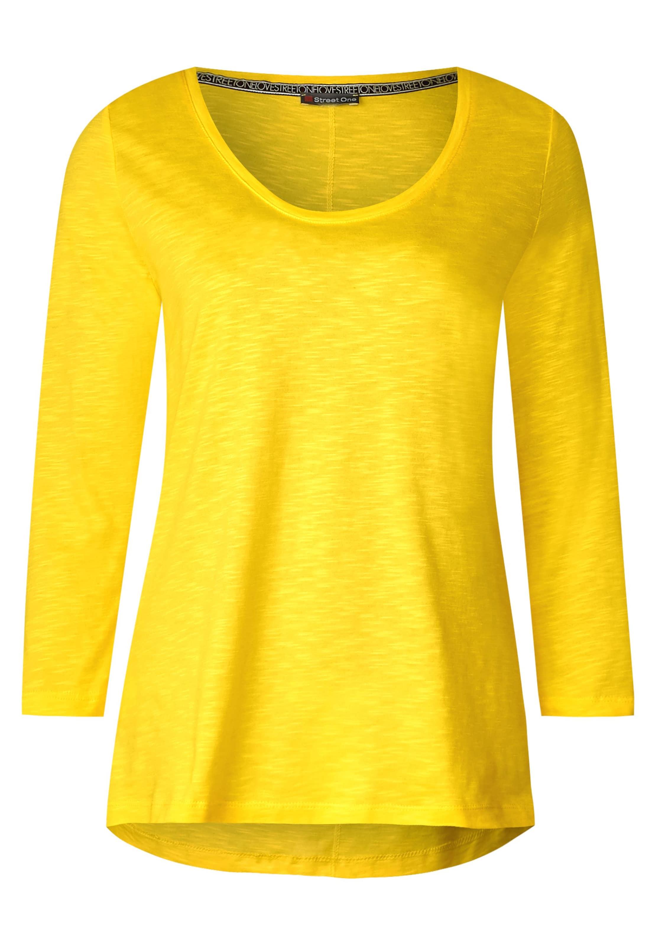 Gelb Shirt In Street Street One E9H2IDWY