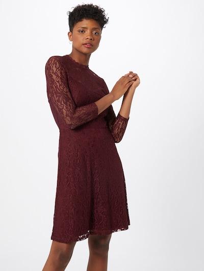 ABOUT YOU Robe de cocktail 'Sienna' en bordeaux, Vue avec modèle