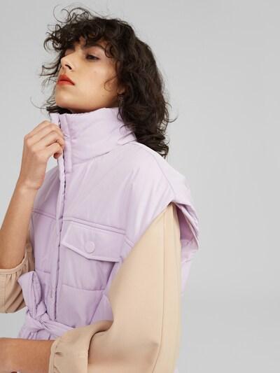 EDITED Přechodná bunda 'Nigel' - fialová, Model/ka