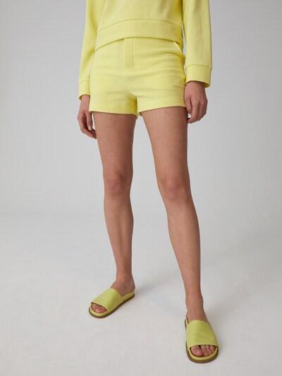 Kelnės 'Gisa' iš EDITED , spalva - geltona, Modelio vaizdas