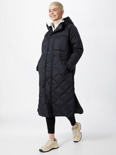 SECOND FEMALE Pitkä talvitakki 'Prudence' värissä musta, Mallinäkymä