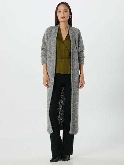 AMERICAN VINTAGE Płaszcz z dzianiny 'Tudbury' w kolorze nakrapiany szarym, Podgląd na modelu(-ce)