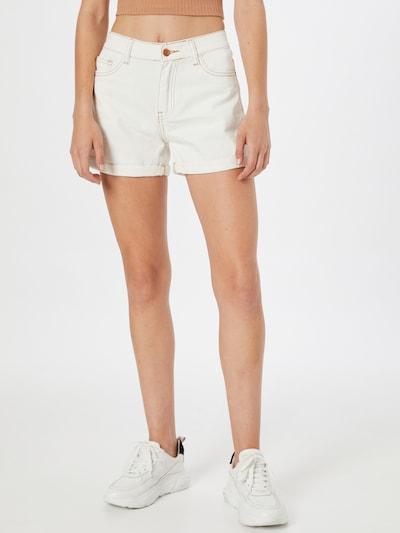 Hailys Shorts 'Luna' in offwhite, Modelansicht