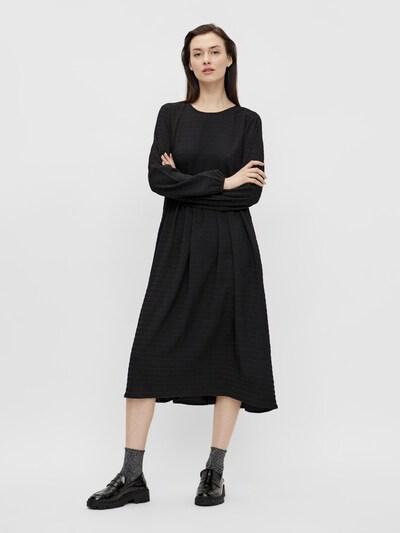 PIECES Kleid 'Pernua' in schwarz, Modelansicht