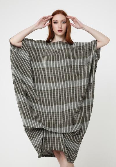 Madam-T Oversizekleid 'Alunessa' in grau / khaki, Modelansicht