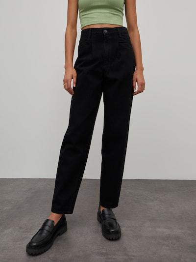 EDITED Jeans 'Rina' in black denim, Modelansicht