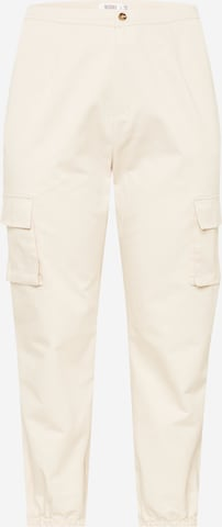 Pantaloni cu buzunare de la Missguided Plus pe alb