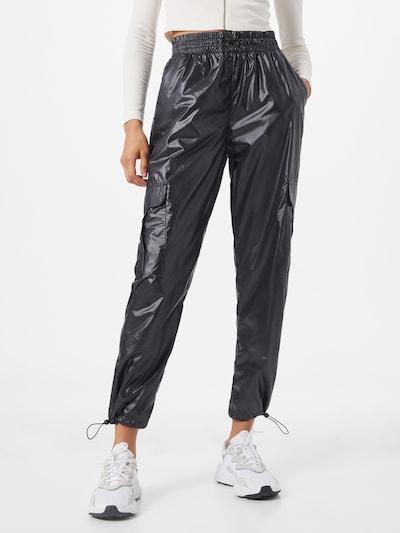 Urban Classics Klapptaskutega püksid must, Modellivaade