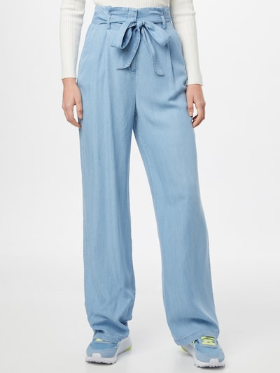 VERO MODA Pleat-front trousers in Light blue, View model