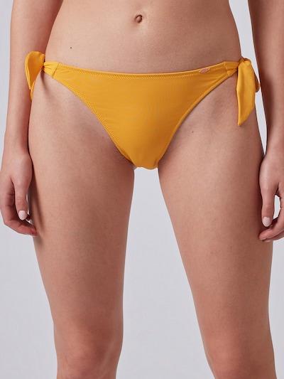 Skiny Bas de bikini en jaune d'or, Vue avec modèle