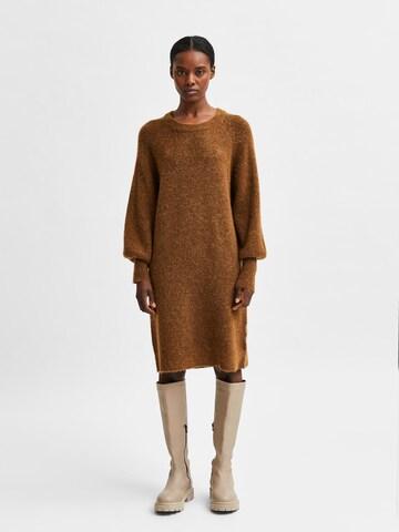 SELECTED FEMME Gebreide jurk 'Lulu' in Bruin