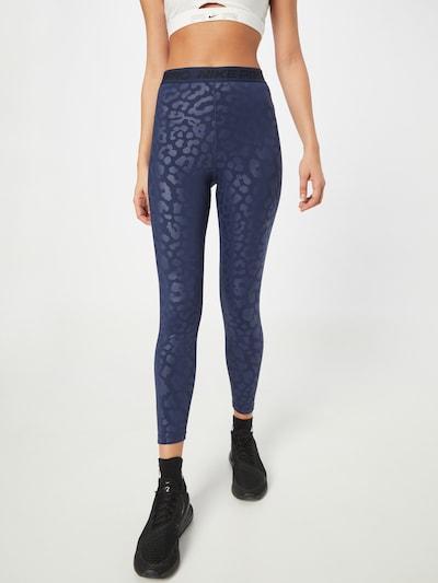 NIKE Sporthose in violettblau / schwarz, Modelansicht