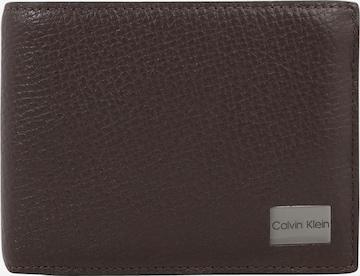 Calvin Klein Kukkaro värissä ruskea