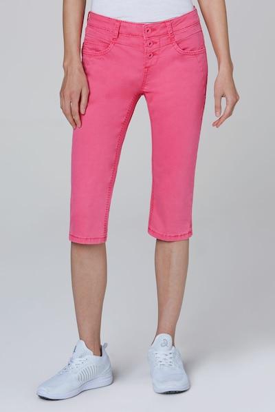 Soccx Coloured Capri Jeans LY:IA mit Knopfleiste in pink, Modelansicht